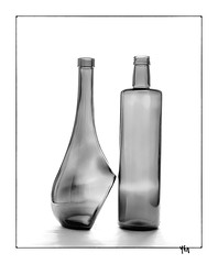Scène 60 - 2 pièces (gravelin.yves) Tags: naturemorte nikon d850 bouteille