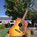 Grand Ole Opry guitar thumbnail