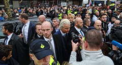 "Wilders, Dewinter en bodyguards • <a style=""font-size:0.8em;"" href=""http://www.flickr.com/photos/45090765@N05/40007353951/"" target=""_blank"">View on Flickr</a>"