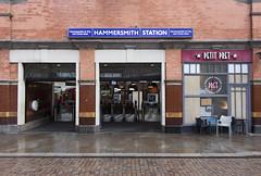 Hammersmith station (H & C), Beadon Road, W6 (Tetramesh) Tags: tetramesh london england britain greatbritain gb unitedkingdom uk