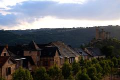 Najac / Aveyron (5) / França / France / Francia (Ull màgic (+1.250.000 views)) Tags: najac aveyron frança france francia nucliantic edifici arquitectura castell castillo castle carrer teulades núvols nubes fuji xt1
