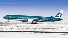 "CATHAY PACIFIC ""SPIRIT OF HONG-KONG"" B777-367(ER) (lavierphilippephotographie) Tags: longhaull longcourrier airplane plane aircraft airlines airliner boeing b777 cathaypacific spiritofhongkong cdg roissy neige snow"