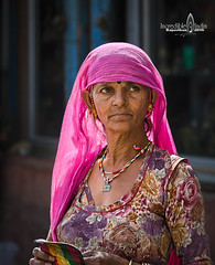 portrait (Albert Photo) Tags: portrait wrinkle old tradition senior older elders villager hat woman lady india indianrajasthan outdoor oldtown