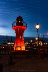 IMG_5084-12 (NB-Foto) Tags: hamburg hafen museumhafen övelgönne leuchtturm wasser nacht nachtaufnahme langzeitbelichtung morgengrauen sonnenaufgang