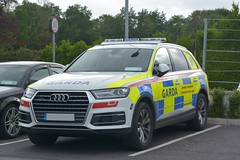 An Garda Siochana Irish Police Force 2016 Audi Q7 ARV (Shane Casey CK25) Tags: an garda siochana irish police force 2016 audi q7 arv armed response vehicle car regional support unit rsu blue yellow battenburg flashing siren white officer officers gardai crime criminal bluelights flash sirens prevent preventation ireland