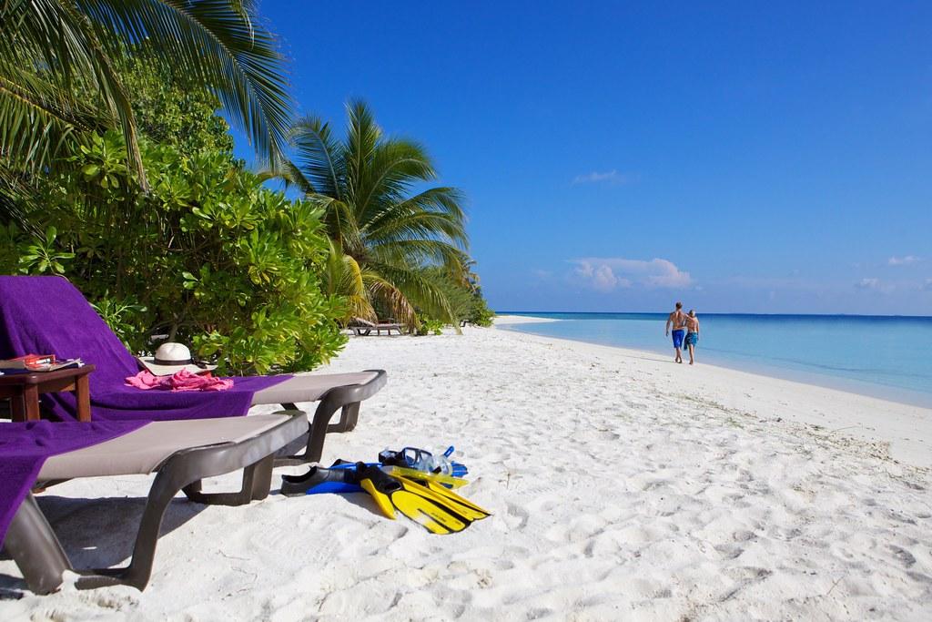 Komandoo Beach