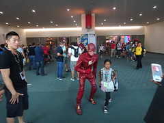 The Flash makes friends (Sconderson Cosplay) Tags: comic con san diego sdcc 2016 flash cosplay
