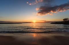 In the middle, in the middle... (Antonio Ciriello PhotoEos) Tags: mare sea waves onde spiaggia beach sand sabbia seascapes landscapes paesaggi colours colori sole sun sunset tramonto nuvole clouds saturo leporano marinadileporano taranto puglia apulia italia italy canon 1022 canon1022 canoneos80d eos80d 80d canon80d