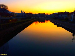 tramonto sul canale (archgionni) Tags: canal water sky skyline case homes cupola dome giallo yellow alberi trees arancione orange tramonto sunset riflessi reflections luce light