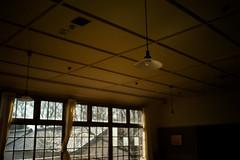 classroom lights (N.sino) Tags: m9 ultron35mmf17 classroom light window 教室 電灯 天井 瓦屋根 窓 郷土の森 放課後 小学校