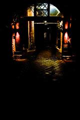 Eingang - entrance (Nobby Neumann Foto Bielefeld #nobbyneu) Tags: eingang haus hofeinfahrt bauernhaus ladenlokal magic produktfotografie advertisement werbung crowley magie mystery unheimlich spooky gespenst gespenster geister geisterstunde witchinghour