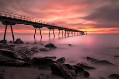 Pont del petroli sunrise (bienve958) Tags: amanecer pontpetroli bdn sunrise seascape landscape paisaje rocks beach colors bridge largaexposicion longexposure densidadneutra nd nd1000 haida