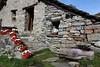 Val d'Aosta - Valle di Gressoney: Sant'Anna, acqua corrente.... (mariagraziaschiapparelli) Tags: valdaosta valledigressoney camminata escursionismo allegrisinasceosidiventa santanna gressoneylatrinite montagna mountain monterosa panorama ghiacciaio