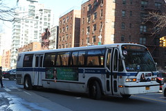 IMG_4731 (GojiMet86) Tags: mta nyc new york city bus buses 1999 t80206 rts 5241 m72 avenue 72nd street