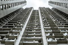 Concrete caves - Hongkong 100/188 (*Capture the Moment*) Tags: 2017 balconies balkone courtyard flats fotowalk hongkong houses innenhof sonya7m2 sonya7mii sonya7mark2 sonya7ii sonyfe2470mmf4zaoss sonyilce7m2 wohnungen urbanliving