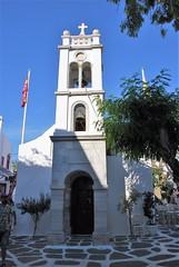 Iglesia en Mikonos (Grecia, 14-6-2017) (Juanje Orío) Tags: 2017 mikonos grecia greece iglesia church bandera flag campanario europeanunion europa religión iglesiaortodoxa