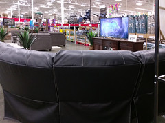 Have a seat, and watch the big screen at Southaven Sam's Club! (l_dawg2000) Tags: 2017remodel apparel café desotocounty electronics food gasstation meats mississippi ms pharmacy photocenter remodel samsclub southaven tires walmart wholesaleclub unitedstates usa