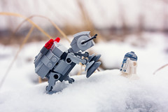 Playing in the snow (_Sylvian) Tags: depthoffield dof lego bokeh closeup figs figure macro mini miniature outdoor poland polska snow starwars toy toys winter