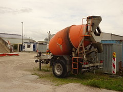 Betonmischer Anhänger (Oli-unterwegs) Tags: betonmischer anhänger norderney norddeutschland deutschland büro 40 beton aur