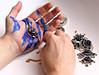 Blau und Gold (natterjack3) Tags: hände hands handarbeiten crafts beads glasperlen blau blue gold