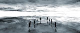Black and white sea1