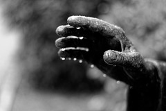 La main d'Ars (David Bertholle) Tags: ars statue hand main d7200 nikon god chrétien