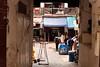 "Fez (Malu Green!) Tags: fez marrocos maroc morroco ciudad city cidade medina souk mercado market rua street ""street photography"" cores colores colors color madrassa portão gate pórtico sapato tamanco couro leather shoes kid criança child children niño guri mesquita mosque curtume artesanato handcraft pintura painting muslim muçulmano"