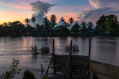 Mekong sunset (Jonas Hansel) Tags: laos siphandon donkhon 4000islands mekong mekongriver sundown sunset dusk redsky river sky clouds
