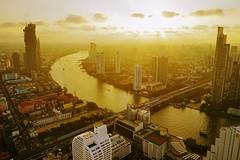 Sunset over Chao Phraya River (勇 YoungAdventure) Tags: thailand 泰國 タイ 태국 เชียงใหม่ bangkok 曼谷 バンコク 방콕 กรุงเทพมหานคร sunset chaophraya river skyline