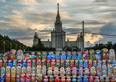 Graduate Matrioshkas (Javiralv) Tags: state universtiy moscow russia matrioshka clouds russian dolls nubes universidad muñecas