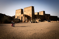 Philæ (Gwenaël Piaser) Tags: egypt january 2018 philae janvier january2018 egypte temple philæ φιλαί philai فيله ⲡⲓⲗⲁⲕ ⲡⲓⲗⲁⲕⲭ aswan assouan arabrepublicofegypt sabrina ryan مِصر‎ miṣr مَصر‎ maṣr ⲭⲏⲙⲓ unlimitedphotos gwenaelpiaser canon eos 6d canoneos eos6d canoneos6d fullframe 24x36 reflex rawtherapee ancient antiquité isis templedisis sigma35mmf14dghsm prime sigma 35mm sigmaart art sigma35mmf14hsmart wideangle 35mmf14dghsm sigmaart35mmf14dghsm 35mmart sigma35mm14dghsm 35mmf14dghsm|a 2500