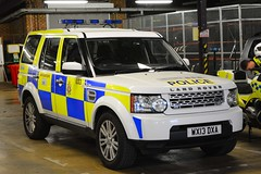 WX13 DXA (S11 AUN) Tags: wiltshire wilts police land rover discovery 4 sdv6 4x4 anpr traffic car rpu roads policing unit 999 emergency vehicle triforce wx13dxa