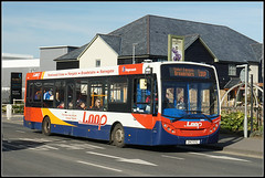 36866, Westwood Cross (Jason 87030) Tags: enviro e200 red white blue wheels orange pub roadside canterburybell gn13exz westwoodcross shops shopping retail kent thanet 2018 february light color colour bus stagecoach southeast eastkent publictransport 35866 loop broadstairs margate ramsgate