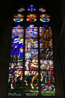 Vitrail de Jeanne d'Arc (cathédrale Saint-Etienne d'Auxerre)