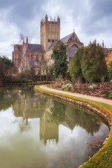 Wells Cathedral (Rich Walker75) Tags: wells cathedral cathedrals architecture photography church religion reflection reflections landscape landscapephotography landscapes landmark landmarks building buildings clouds pond historic history canon eos100d efs1585mmisusm eos england greatbritain