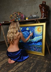 This was my first experience of fitting and designing a picture frame   #oilpainting #girl #art #artist #artstudio #PaletteKnife #StarryNight #VanGogh (alisa_denoizz) Tags: oilpainting girl art artist artstudio paletteknife starrynight vangogh