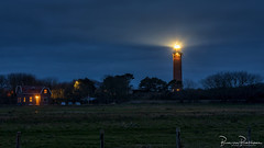 Lighthouse Ouddorp - Westhoofd (BraCom (Bram)) Tags: 169 blog bracom bramvanbroekhoven goereeoverflakkee widescreen ouddorp zuidholland nederland nl southholland netherlands holland vuurtoren lighthouse bluehour blauweuurtje huis house building gebouw cottage tree boom meadow weiland cloud wolk fence hek car auto light licht morning ochtend sky window raam deur door dunes duinen westhoofd vuurtorenwesthoofd star ster landschap