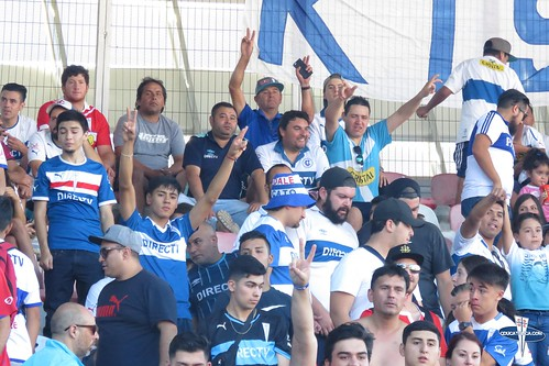 "Hinchas Curico vs CDUC • <a style=""font-size:0.8em;"" href=""http://www.flickr.com/photos/131309751@N08/25353106037/"" target=""_blank"">View on Flickr</a>"
