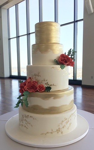 Gold Brushing and Red Roses Wedding Cake