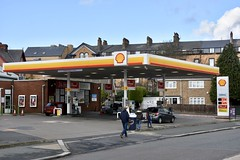 Shell, Scarborough North Yorkshire. (EYBusman) Tags: shell petrol gas gasoline filling service station garage seamer road falsgrave scarborough north yorkshire penny petroleum thompson vauxhall opel gulf mobil bp eybusman