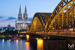 _MBP2537-1 (manuelbinettiphotography) Tags: colonia köln kölle cologne reno city cityscape città fiume ponte duomo church cathedral bridge river blue hohenzollern gotic skyline tower clouds hour padlocks love boat water germany germania cattedrale light