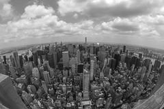 Skiline New York City B&W (CURZU@) Tags: skilines nycusa newyorkcity newyork nuevayork edificios rascacielos nubes ciudad la gran manzana manhattan empirestatebuildingempirestate