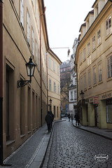 Alley 1 (LUC4SB) Tags: cz czechrepublic czech prague praha alley street streetphoto streetphotography