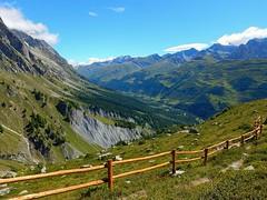 Mountain (simotour750) Tags: valledaosta aosta aostavalley italy montagna montagne mountain montaña courmayeur green landscapes landscape paesaggi paesaggio pasajes nature natura
