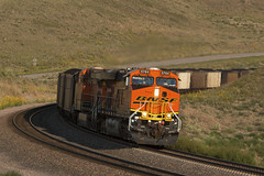 BNSF1994 (ex127so) Tags: bnsf ne 2006 ellsworth es44ac