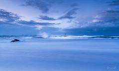 Explosion matinale (Soregral) Tags: leverdesoleil sunrise ciel houle océan brittany barre vague leefilter etel longexposure bretagne poselongue paysage sea clouds sky nuage wave techniquephoto seascape lumière mer filé