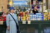 Israel: Street Scenes (anat kroon) Tags: israel yerushalayim jerusalem יְרוּשָׁלַיִם jeruzalem middleeast streetphotography urban documentaire documentary wwwkroonenvanmaanennl anatkroon kroonenvanmaanenfotografie markt שוקמחנהיהודה mahaneyehudamarket shuk mercado market