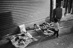 Trash and treasure (cheunggavin) Tags: rolleiprego90 orientalseagull400 hongkong