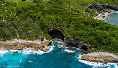 Grotte naturelle (TravelerRauni) Tags: france grottes paysage continentsetpays nature architecture mer europe departementsdoutremer guadeloupe antilles dom montagne verdure vert eau landscape sea
