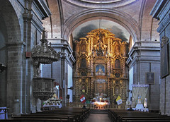 Golden altar in Cuzco (Lewitus) Tags: cuzco altarcuzco gold church peru